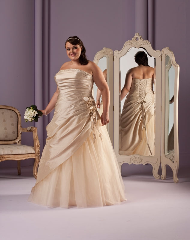 Budget Wedding Dress Archives - Page 2 of 2 - The Budget Bride Company