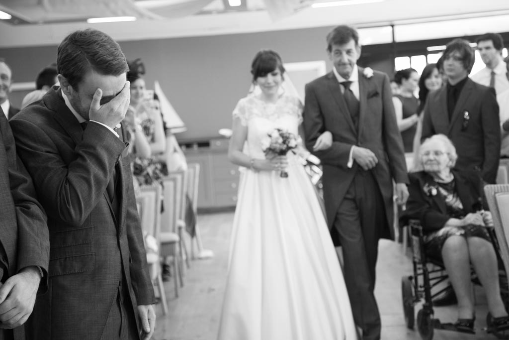 Budget Wedding at Twycross Zoo - Vanessa and Luke